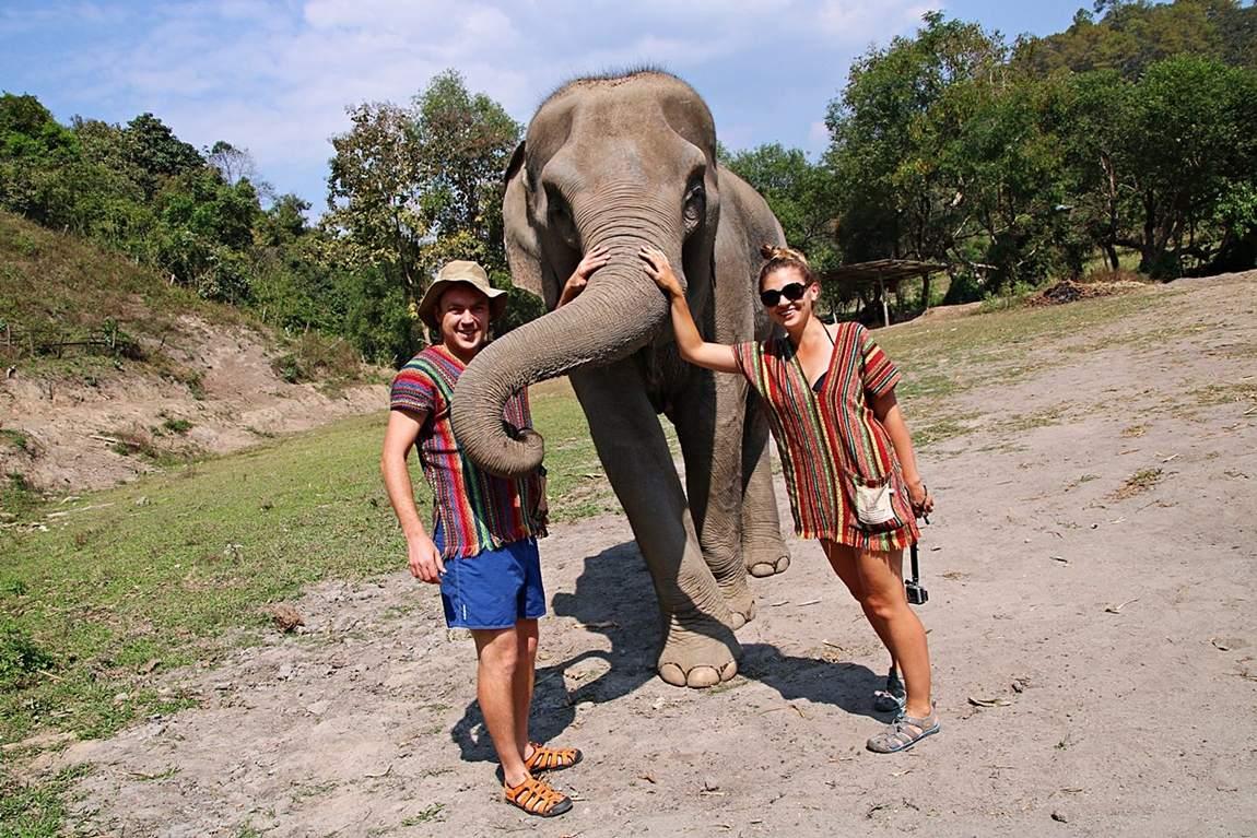 Rezerwat słoni w Tajlandii - opieka nad słoniami