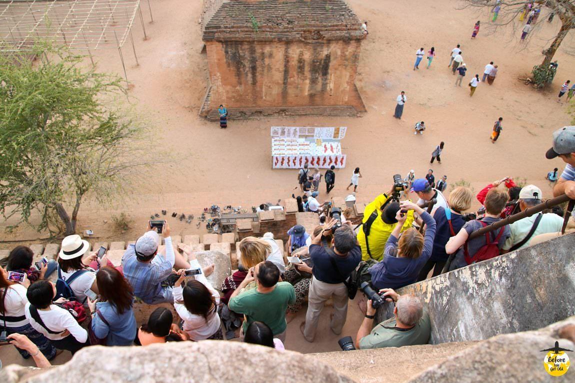 turyści w Birmie