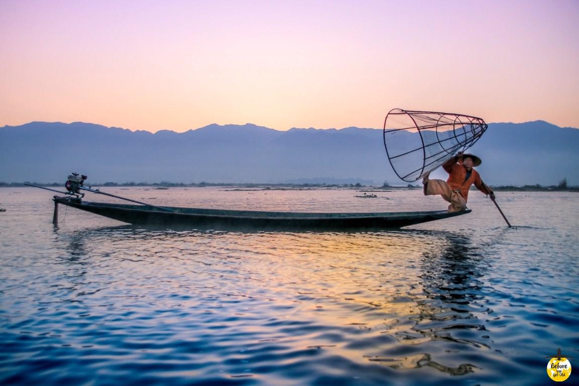 Inle Lake wschód słońca