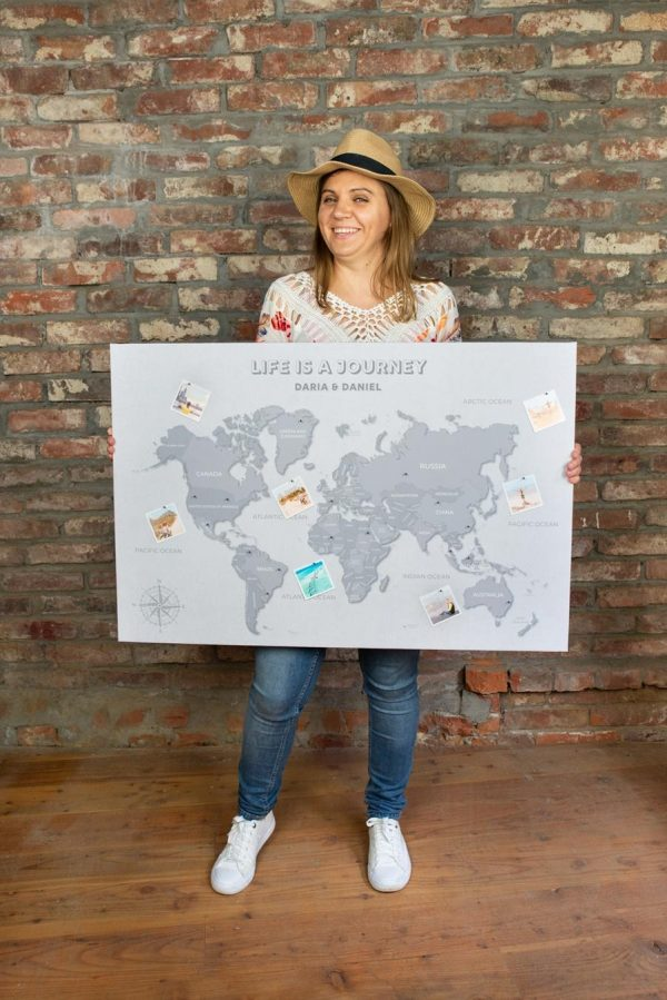 szara mapa świata personalizowana