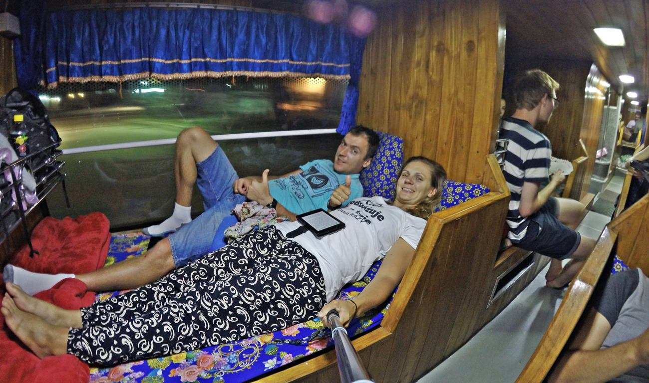 ciekawostki o azji nocne autobusy