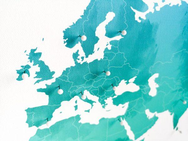 pastelowa mapa świata
