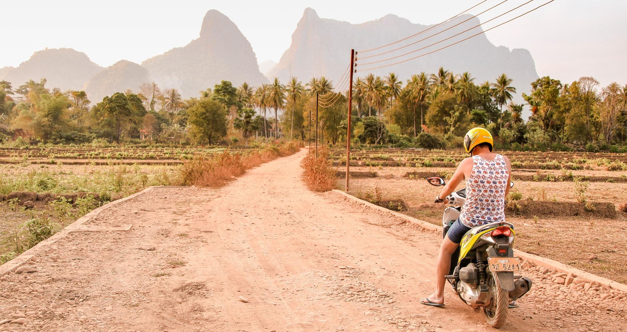 Laos Vang Vieng atrakcje
