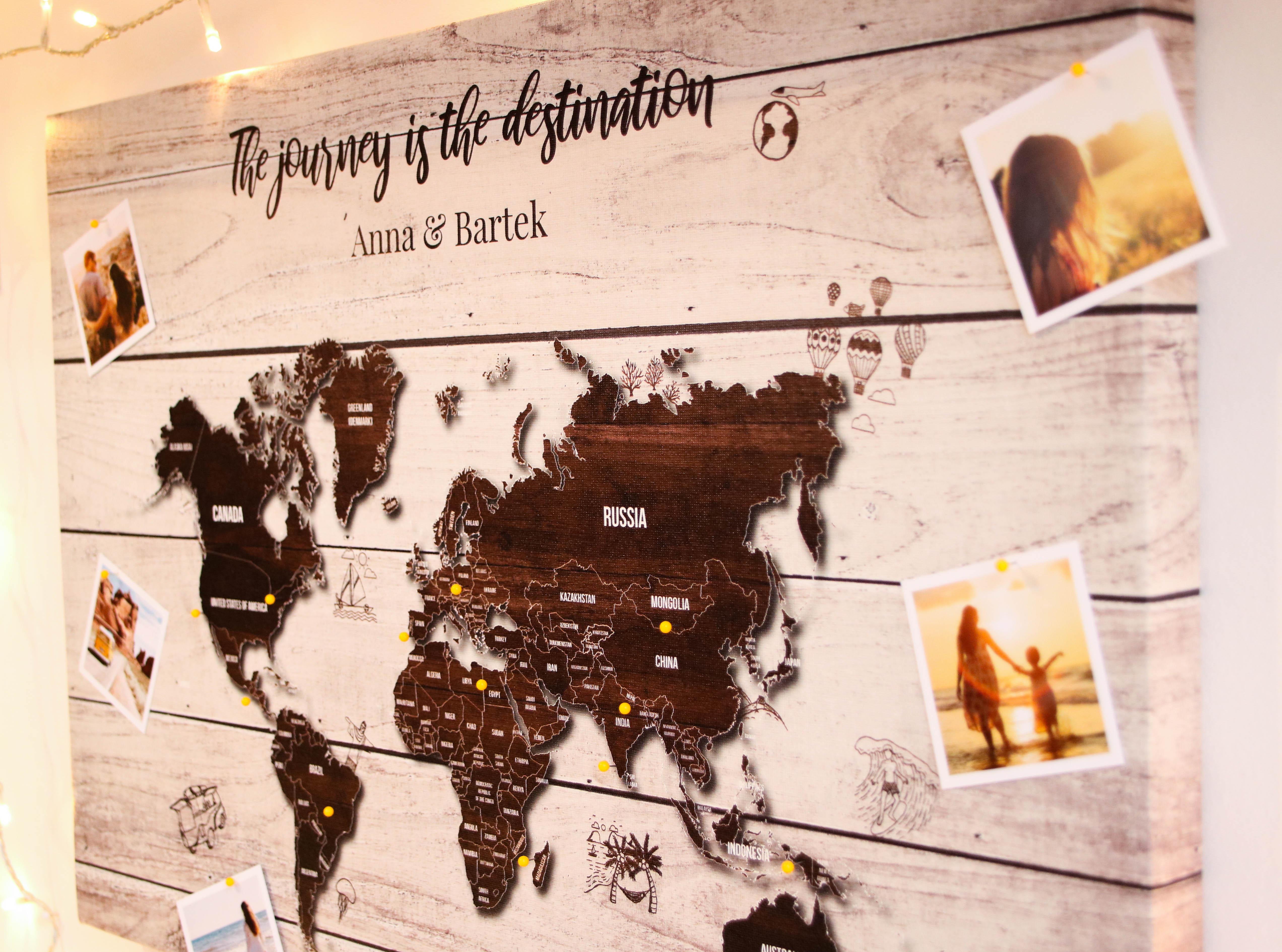 mapa korkowa z pinezkami prezent dla podróżnika