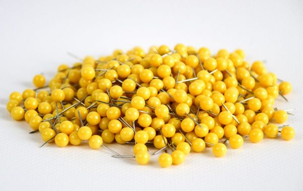 pinezki kuleczki żółte